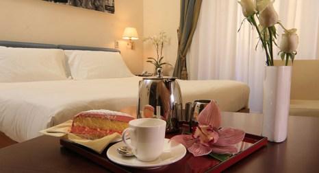 Service de chambre crosti hotel residence for Chambre de service